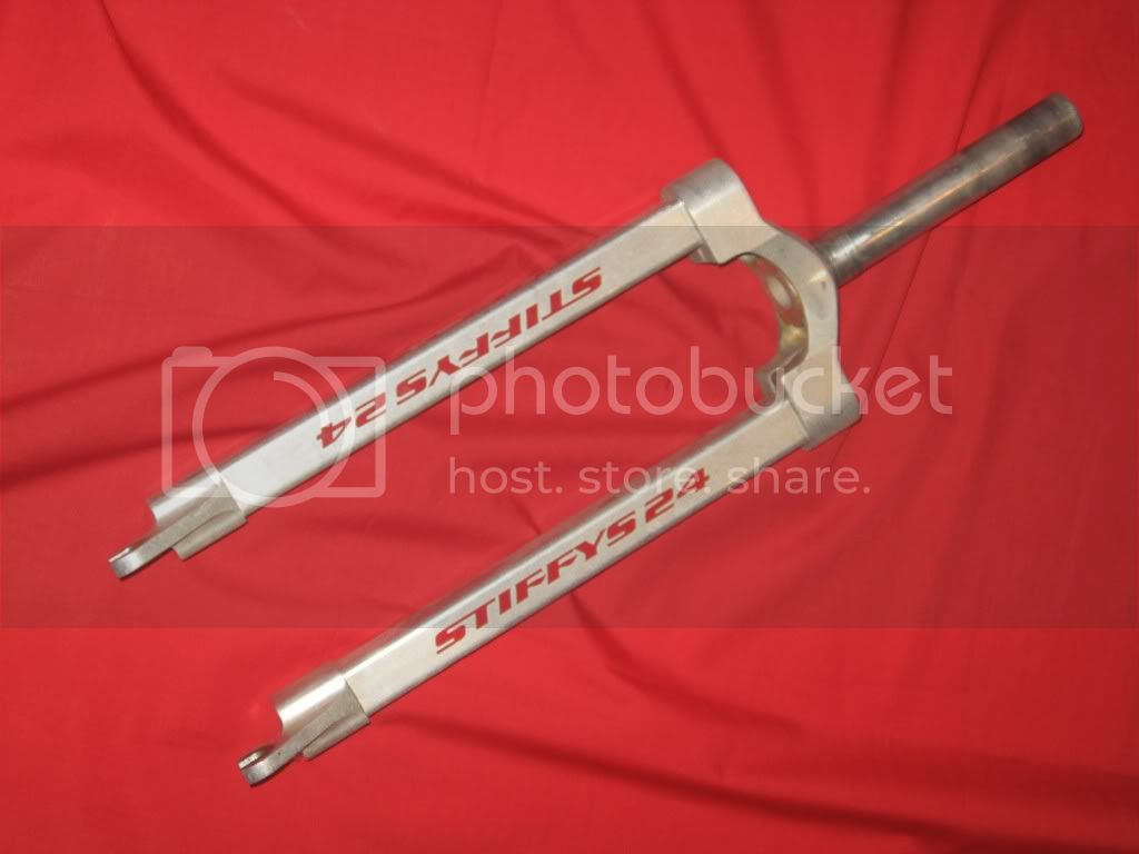 http://i367.photobucket.com/albums/oo116/nowicki13/Forks%20and%20Stems/stiffysexpertcruiserfork0.jpg