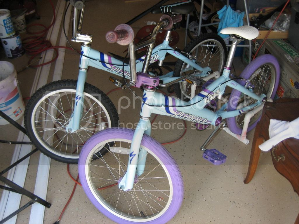 http://i367.photobucket.com/albums/oo116/nowicki13/Specialized%20BMX/IMG_7255.jpg